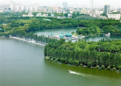 东湖风景区一角