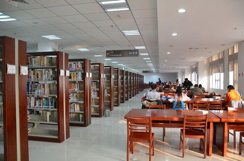 武汉大学图书馆牵头的湖北省高校图书情报工作委员会,积极研商并适时
