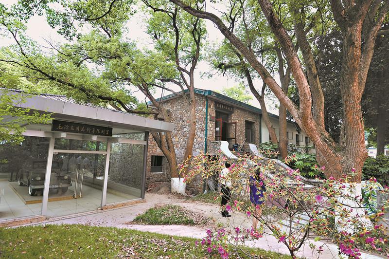 东湖毛泽东旧居.具有中国传统建筑的风格,又融入现代建筑