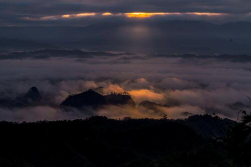 翻山越岭,只为寻觅你的美----万佛圣山